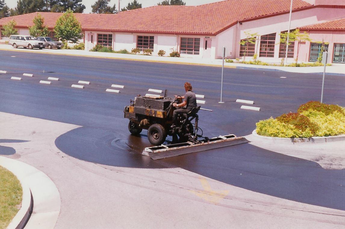 http://www.gullettasphalt.com/images/parkinglot3.jpg